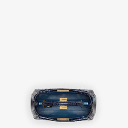 FENDI PEEKABOO ICONIC MINI - sac à main en python bleu - view 4 thumbnail