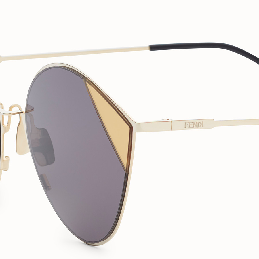 FENDI CUT-EYE - Gold-coloured sunglasses - view 3 detail