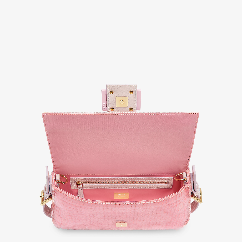 FENDI BAGUETTE 1997 - Pink satin bag with sequins - view 5 detail